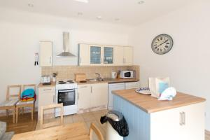 Pilgrims Rest - Rock, Holiday homes  Wadebridge - big - 14