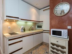 Duplex Amor de Dios, Apartments  Seville - big - 16