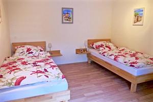 Ferienwohnung Am Henkelsee, Apartmanok  Iphofen - big - 16