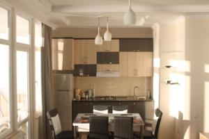 J.R Apartment in the sea, Apartmány  Batumi - big - 33