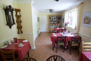 Ashe's B&B, Bed and Breakfasts  Dingle - big - 63