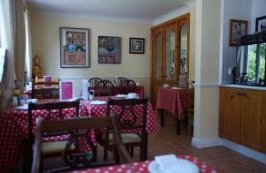 Ashe's B&B, Bed and Breakfasts  Dingle - big - 79