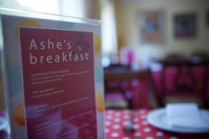 Ashe's B&B, Bed and Breakfasts  Dingle - big - 20