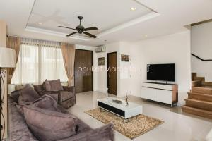 Sunflower Villa by Phuket Marbella, Villas  Bang Tao Beach - big - 18