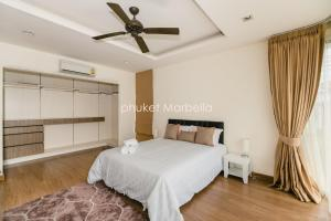 Sunflower Villa by Phuket Marbella, Villas  Bang Tao Beach - big - 10