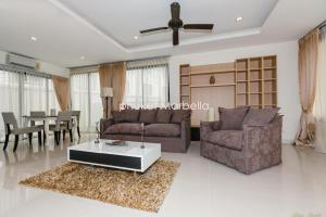 Sunflower Villa by Phuket Marbella, Villas  Bang Tao Beach - big - 8