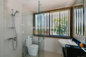 Sunflower Villa by Phuket Marbella, Villas  Bang Tao Beach - big - 6