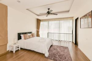 Sunflower Villa by Phuket Marbella, Villas  Bang Tao Beach - big - 11