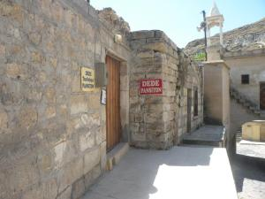 Dede Hostel & Pension
