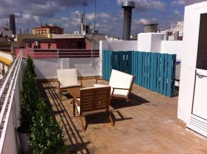 ALMIRANTE BONIFAZ 3, Apartments  Seville - big - 4