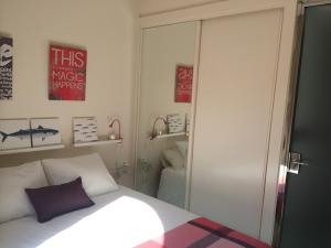 ALMIRANTE BONIFAZ 3, Apartments  Seville - big - 10