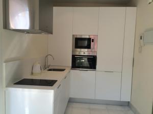 ALMIRANTE BONIFAZ 3, Apartments  Seville - big - 8