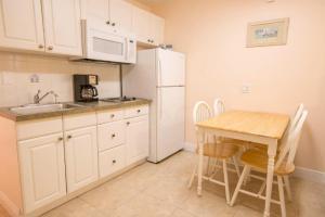 321 - Island Inn, Apartmány  Port Richey - big - 4