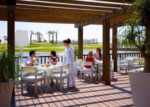 Coming Home - Penthouses La Torre Golf Resort, Apartmány  Roldán - big - 79