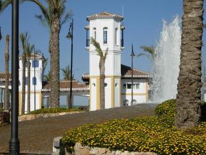 Coming Home - Penthouses La Torre Golf Resort, Apartmanok  Roldán - big - 82