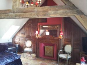 La Maison de Honfleur, Bed and breakfasts  Honfleur - big - 23