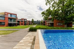 BalatonBee Apartman, Apartments  Balatonlelle - big - 1