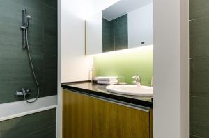 BalatonBee Apartman, Апартаменты  Балатонлелле - big - 7