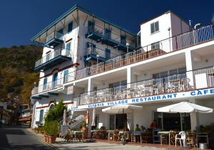Elyssia Hotel