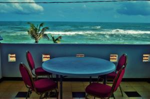 Sanras Beach Hotel
