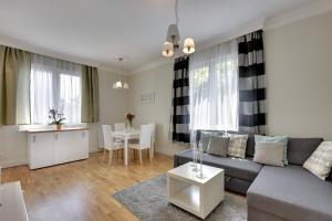 White Moddy Apartment