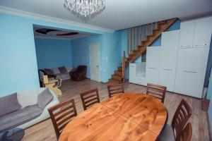 apartment's jemal, Апартаменты  Батуми - big - 12