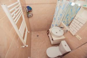 apartment's jemal, Apartmanok  Batumi - big - 9