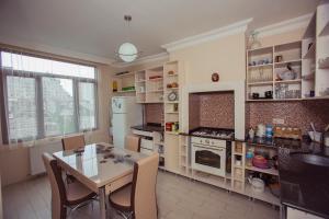 apartment's jemal, Апартаменты  Батуми - big - 5