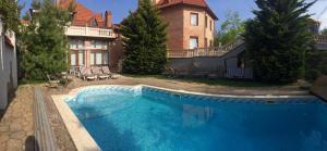 VIP Villa Riviera Pool & Beach