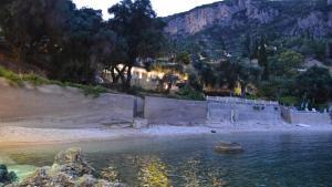 Odysseus Villa
