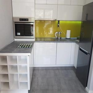 new and modern Garnizon 2 rooms apartments 10 min to old town, great location,, Sopot -15 min, fully arranged , garage- parking for free