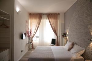 Aurelia Rooms