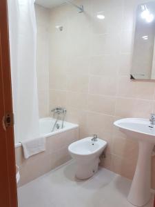Apartamentos Cataluña92, Apartmány  Salou - big - 27
