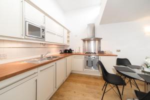 Excel Apartments Bloomsbury 2