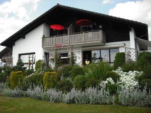 Ferienhaus-Holzapfel-Ferienwohnung-Sonnenwiese