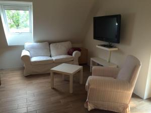 Huus-Windroos-Wohnung-2, Apartments  Ditzum - big - 5