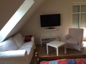 Huus-Windroos-Wohnung-2, Apartments  Ditzum - big - 4