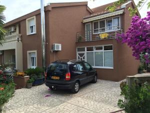 Apartments Kneževic