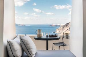 Porto Fira Suites(Fira)