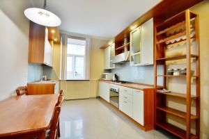 Aparton Expensive Level Apartments, Apartmanok  Minszk - big - 5