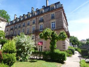 Le Grand Hotel de Plombières by Popinns