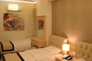 Hotel Vila Alfa, Hotel  Korçë - big - 19