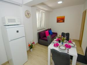 Apartments Vesela, Apartments  Janjina - big - 48