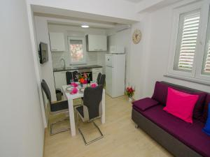 Apartments Vesela, Apartments  Janjina - big - 45