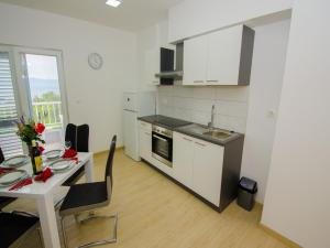 Apartments Vesela, Apartments  Janjina - big - 65