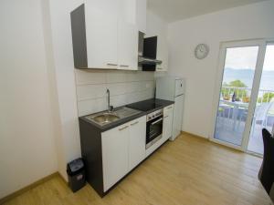 Apartments Vesela, Apartments  Janjina - big - 24