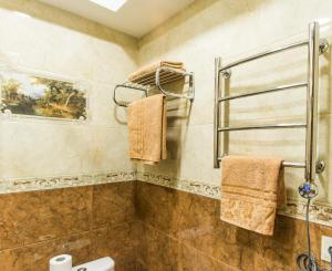 Kon-Tiki Boutique Hotel, Bed & Breakfasts  Sankt Petersburg - big - 5