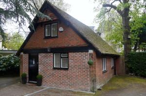 Tudor Cottage Lodge