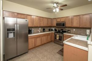 1224 Lause Road Home Home, Holiday homes  Bullhead City - big - 12