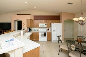 3463 Warren Court Home Home, Case vacanze  Bullhead City - big - 10